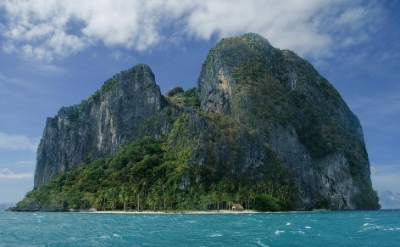 Manioc Island, included in the El Nido Island Hopping Tour A in the Bacuit archipelago