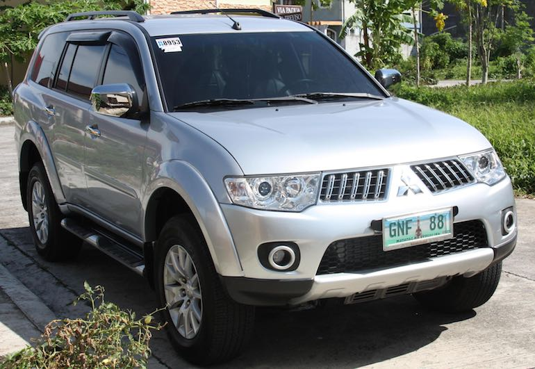 Louer une voiture (ici une Mitsubishi Montero) pour aller de Puerto Princesa à El Nido